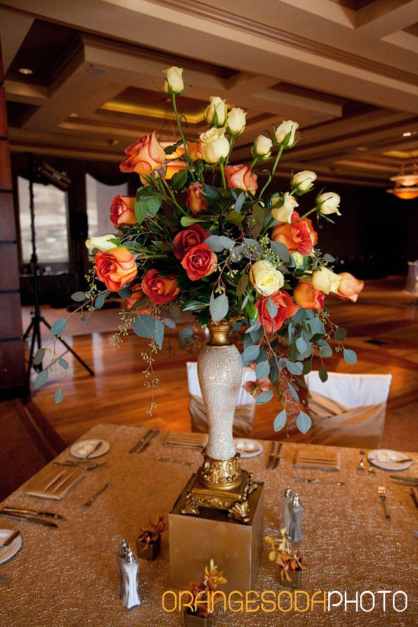 Leonidas Roses, Tall Vase